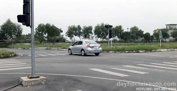 học bằng lái xe b2 VIOS