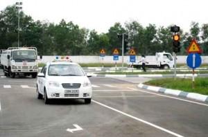 thibanglai 300x198 - Thi bằng lái xe ô tô, kinh nghiệm thi bằng lái xe B2