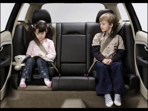 thắt dây an toàn khi lái xe ô tô