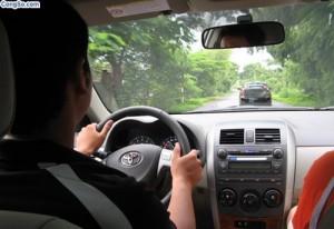 học lái xe ô tô khi xe chết máy