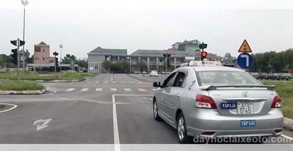 xe học thực hành lái xe ô tô
