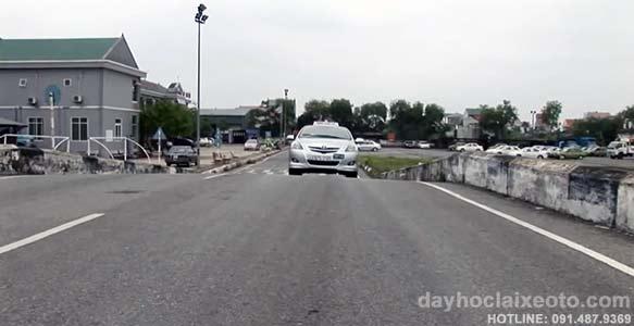 huong dan thuc hanh lai xe - Hướng dẫn học lái xe ô tô và thi sát hạch bằng lái xe