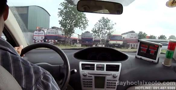 trang thiet bi dao tao lai xe tot - Đào tạo lái xe ô tô bằng B2 tốt nhất tại Hà Nội