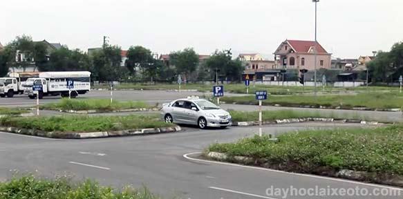 bang B2 va C khac nhau the nao - Góc tư vấn: Học bằng lái xe B2 hay C, chọn B2 tự động hay B2 số sàn