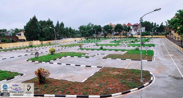 Sân tập Hồ Đền Lừ ở Hoàng Mai