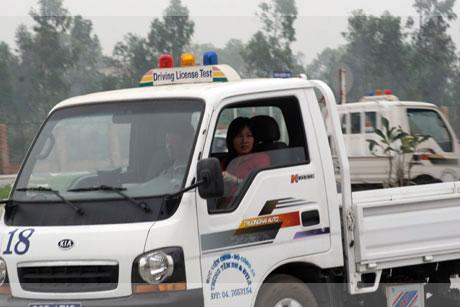 điều kiện thi bằng lái xe tải