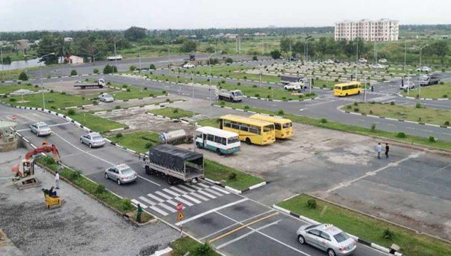 hoc lai xe o to so tu dong tren khuon vien rong rai 634x360 - Học lái xe ô tô số tự động chưa bao giờ dễ hơn tại Hà Nội