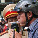 da uong ruou bia la khong lai xe 150x150 - Từ 1/1/2010 lái xe khi uống rượu bia sẽ bị phạt nặng như thế nào
