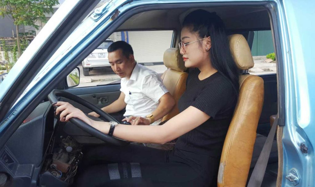 bo tuc lai xe gia bao nhieu 1024x607 - Bổ túc lái xe (học lái xe theo yêu cầu) có nên hay không ?