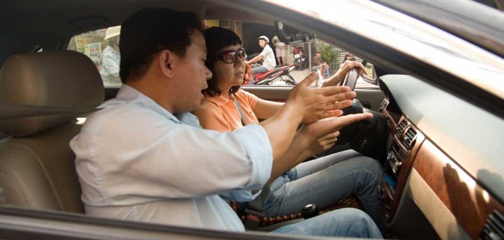 bo tuc lai xe o to ngoai gio - Bổ túc lái xe (học lái xe theo yêu cầu) có nên hay không ?