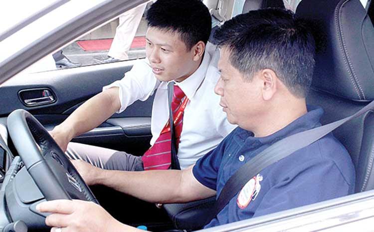 hoc lai xe theo yeu cau - Bổ túc lái xe (học lái xe theo yêu cầu) có nên hay không ?