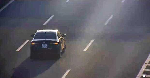 di nguoc chieu va lui xe tren cao toc bi phat bao nhieu - Lùi xe trên cao tốc là một tội ác lý do vì sao