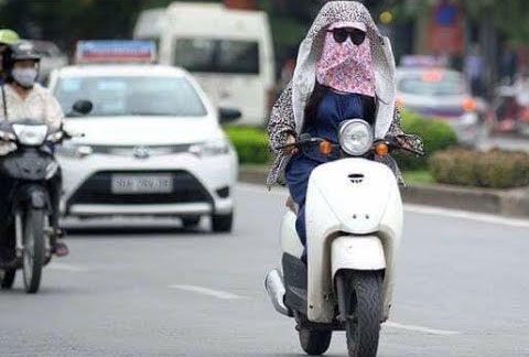 nguyen tac lai xe an toan - Quy tắc lái xe ô tô an toàn: Né Ninja Lead và xe đạp điện